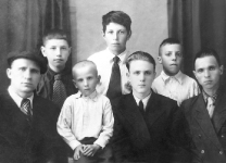 1950-е годы. 3-й слева в 1-м ряду