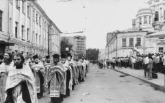 1991. перенесение в Дивеево мощей прп.Серафима