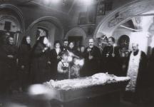 1990.Кузнецы, отпевание м.Галины Куликовой