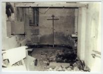 В нижнем храме