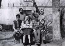Начало 1990-х, Стоят о. Николай Чернышев, Л. Федянина, С Любимов
